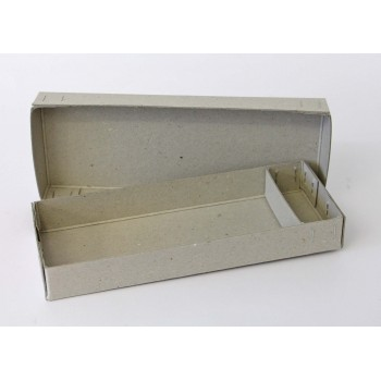 Schachtel aus Graukarton...